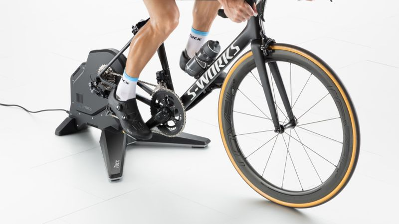 T2900S Tacx FLUX Smart bike trainer in use front gallery 768x432 - Rodillo Tacx FLUX S Smart